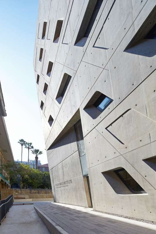 Issam Fares Institute, ZHA