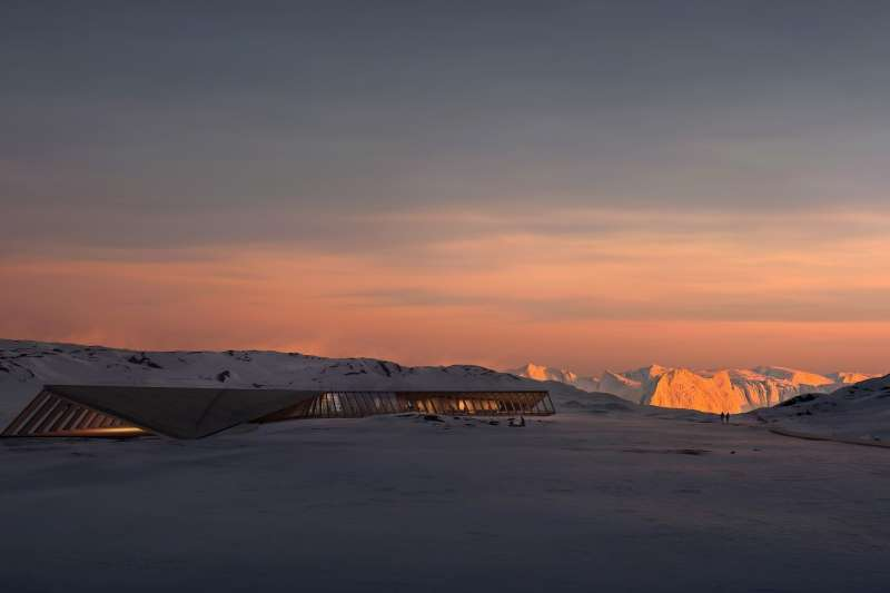 Isfjordscenter Ilulissat i solnedgang