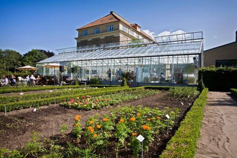 Landbohøjskolens have med cafe
