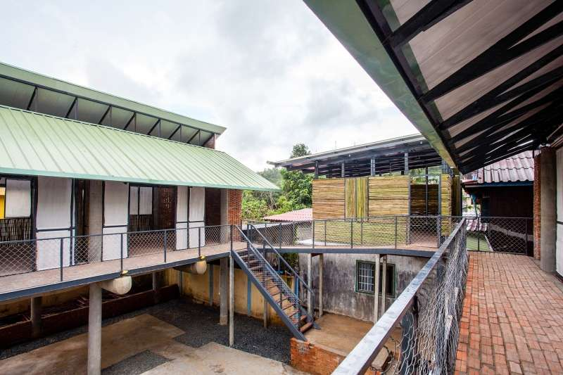 Bomnong L'Or Centre, Orkidstudio